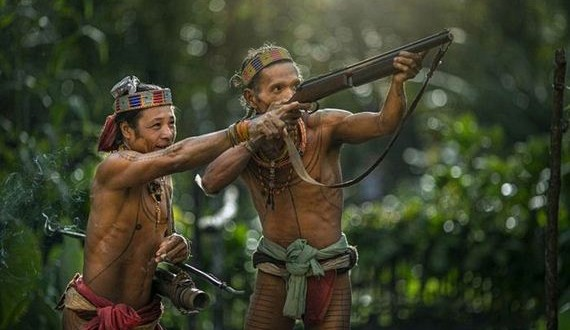 01-indigenous_people_of_indonesia