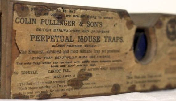 01-old_antique_mouse_trap