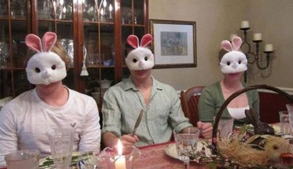 01-awkward-easter-pictures