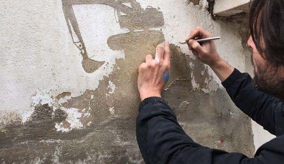 01-peeling_paint