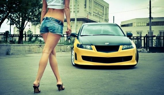 01-Girls-with-Cars-5-02