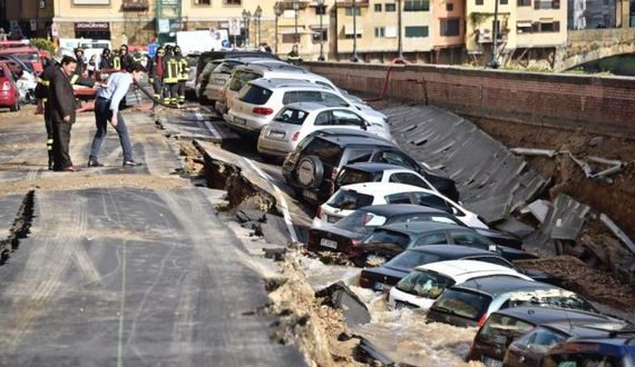 01-parking_collapse