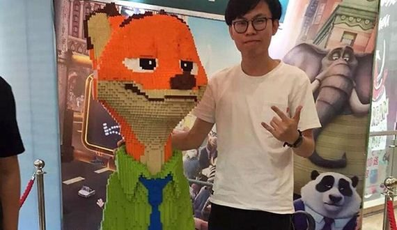 01-boy-destroys-lego-fox-exhibit-statue