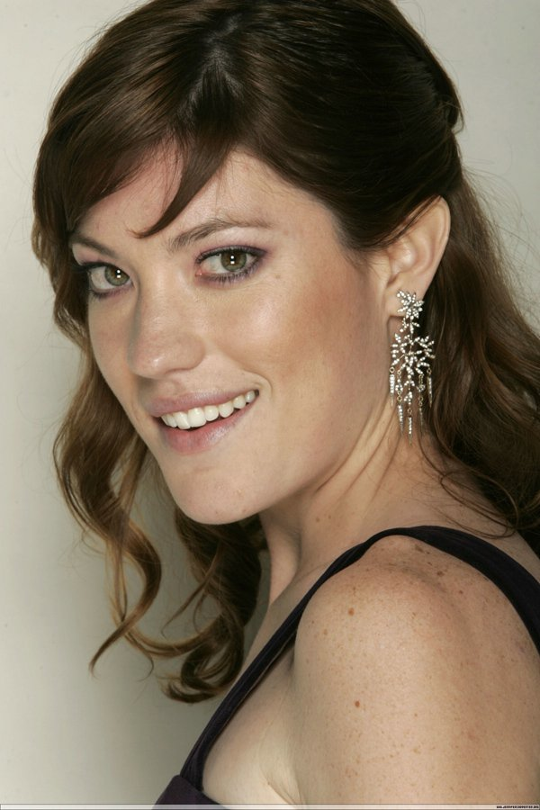 Jennifer-Carpenter-17