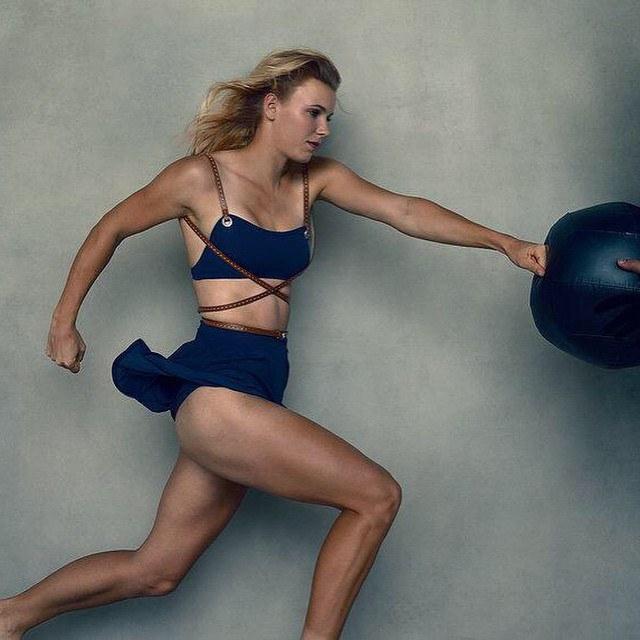 caroline-wozniacki-hot-photos-3