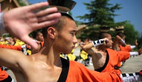 01-shaolin_kung_fu_monks