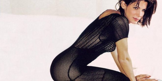 Sandra-Bullock-Hot