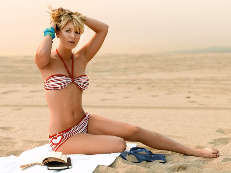 kaley-cuoco-s-feet-and-legs01469340072