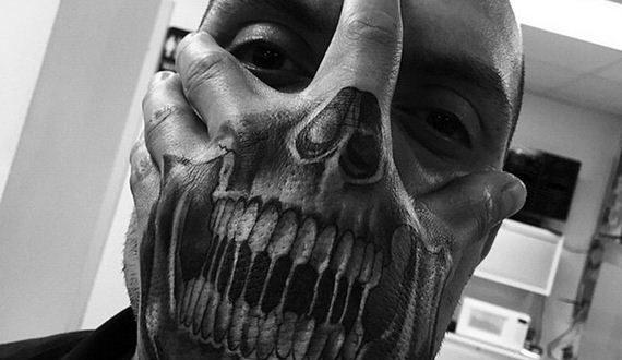 01-creepy-realistic-tattoos