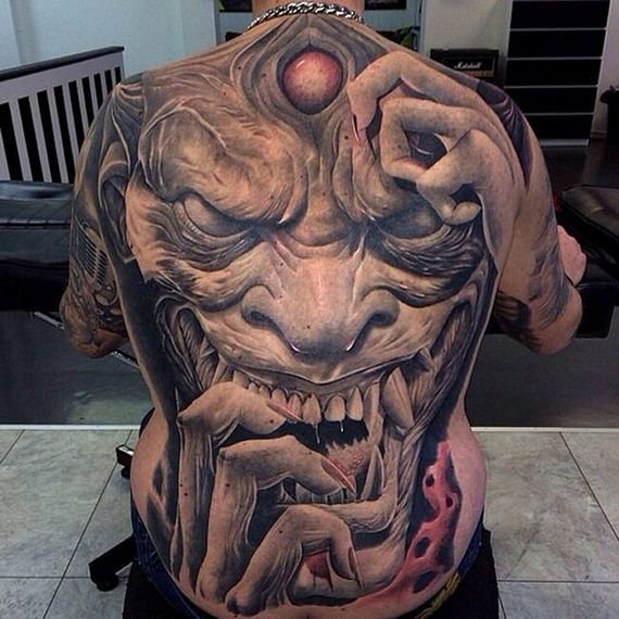 04-creepy-realistic-tattoos