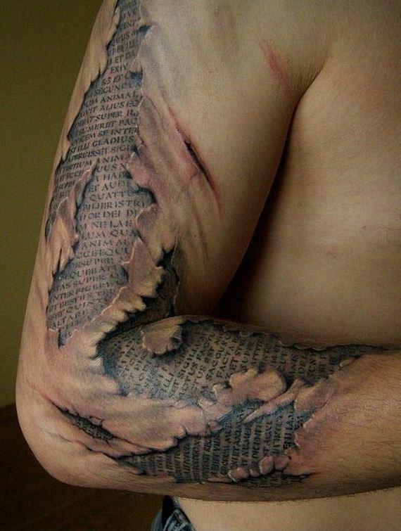 14-creepy-realistic-tattoos