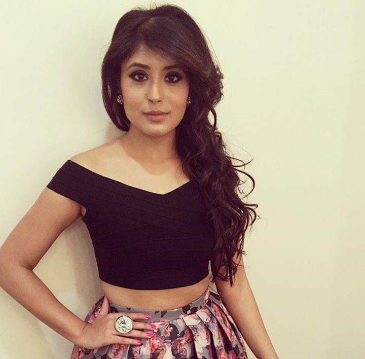 kritika-kamra-hot-and-sexy-photos