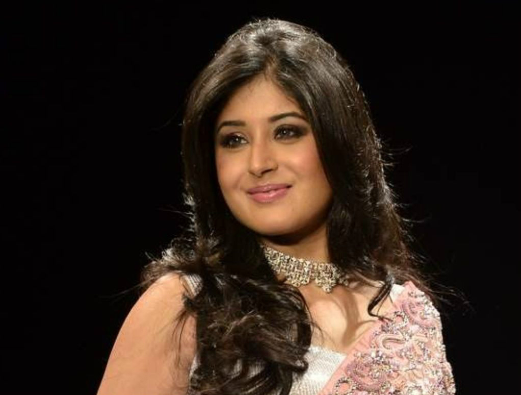 kritika-kamra-hot-and-sexy-pics