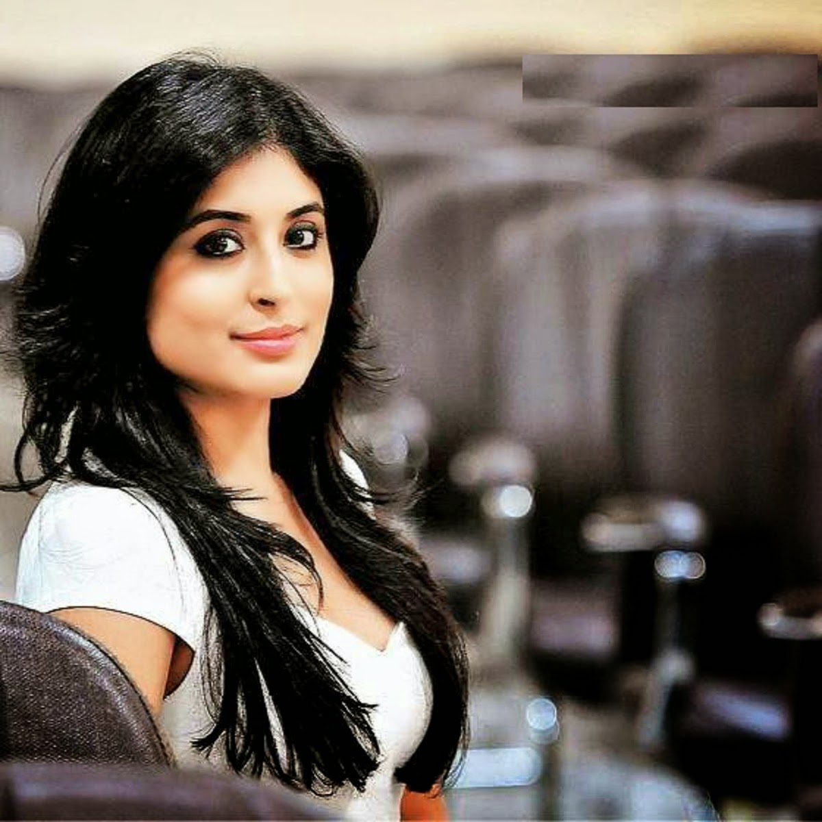 kritika-kamra-hot-sizzling-images