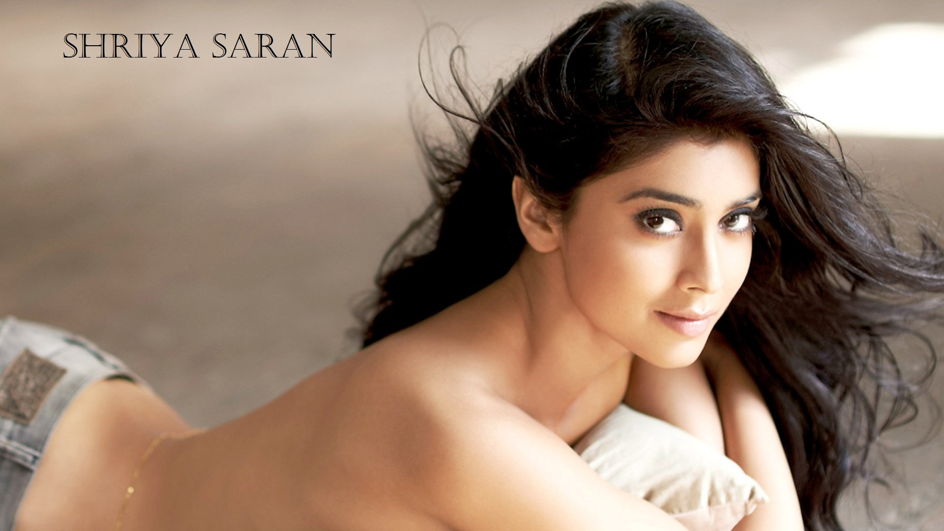 download shriya saran hd wallpaper | techpandey - a technology blog
