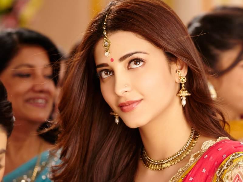 Shruti Hassan Hot Pictures Barnorama