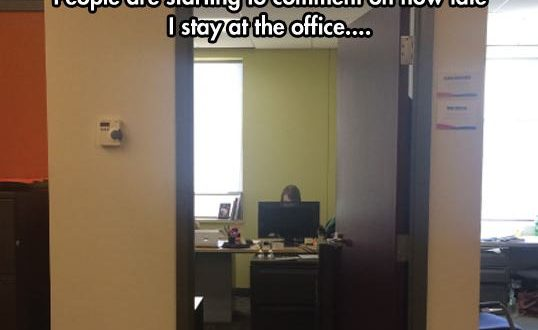 cool-office-prank-computer-face0