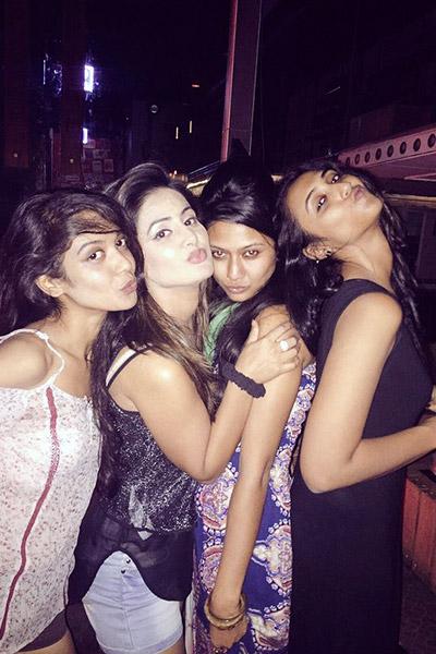 hina-khans-party-sexy-hot-click