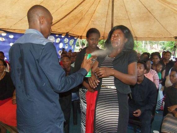 01-african_pastor