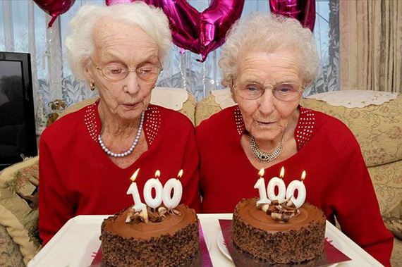 01-twin_sisters_100th_birthday