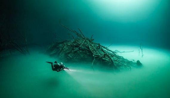 01-underwater_lake