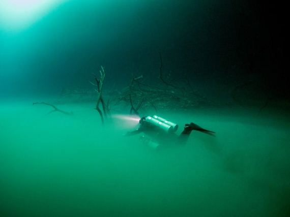 02-underwater_lake
