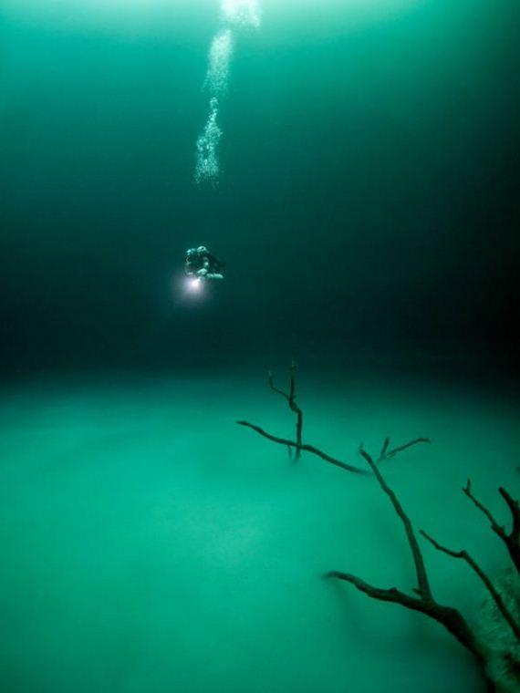 04-underwater_lake