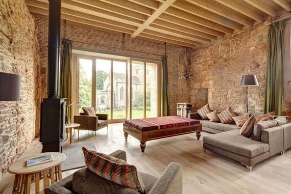 05-old_castle_in_the_modern_house