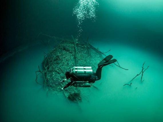 05-underwater_lake