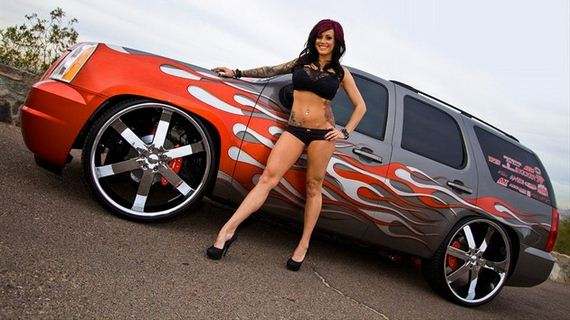 06-girls-with-cars