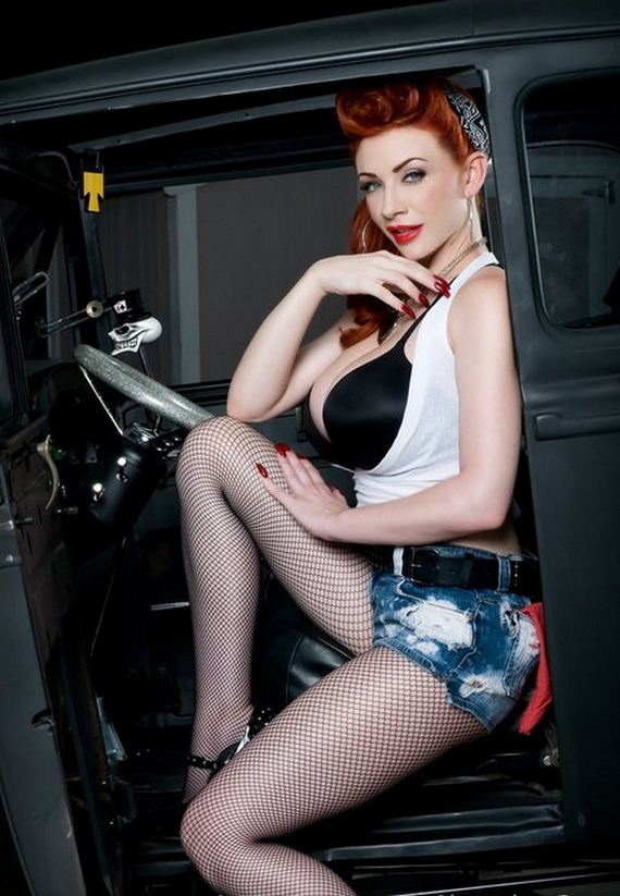 06-pin-up-girls