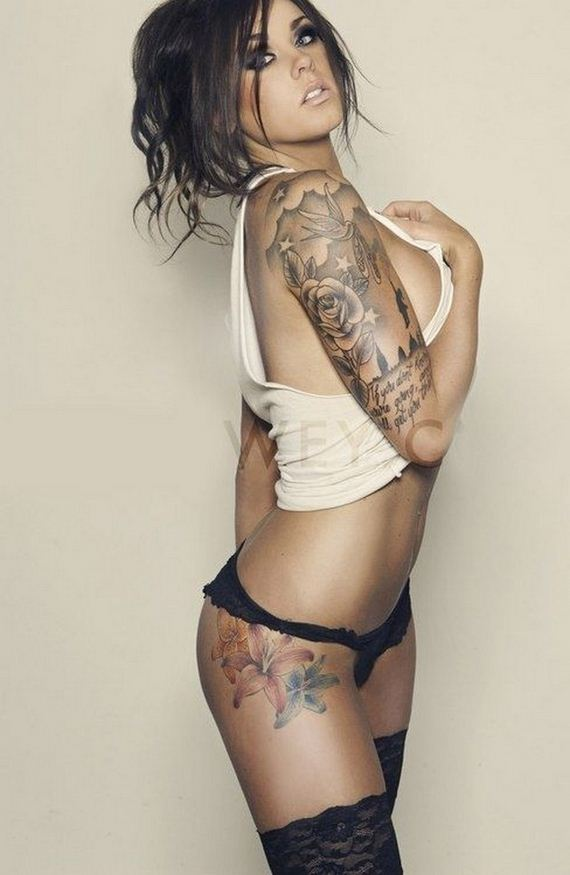 06-women-with-tattoos