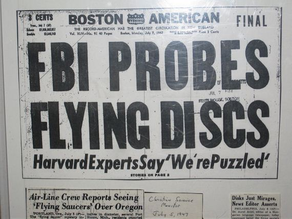 06-these-ridiculous-headlines-about-aliens