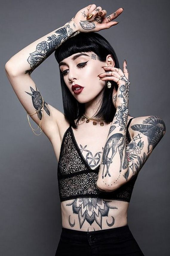 07-women-with-tattoos