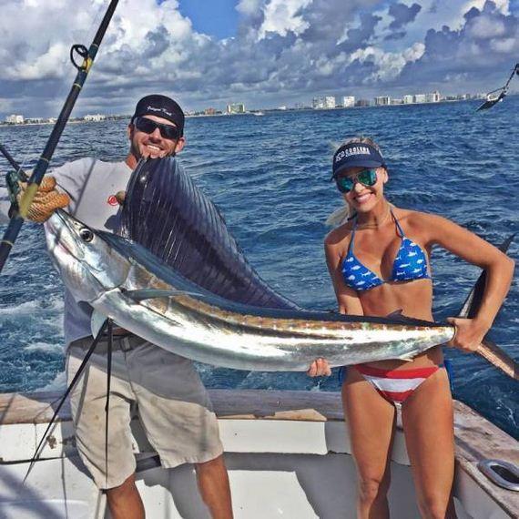 09-fishing_in_bikini