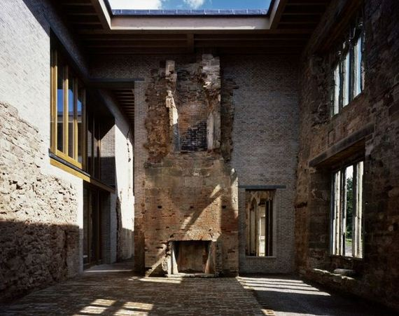 09-old_castle_in_the_modern_house