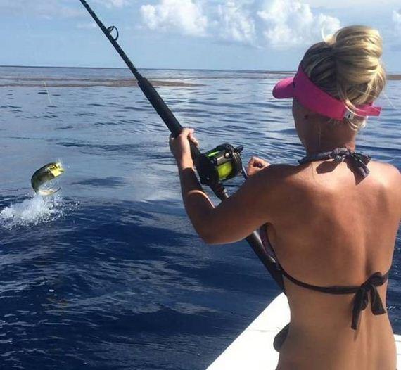 10-fishing_in_bikini