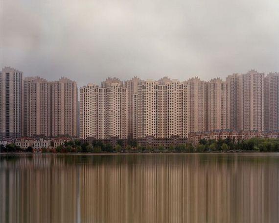 11-abandoned_futuristic_city