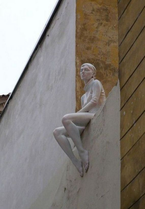 13-terrifying-statues