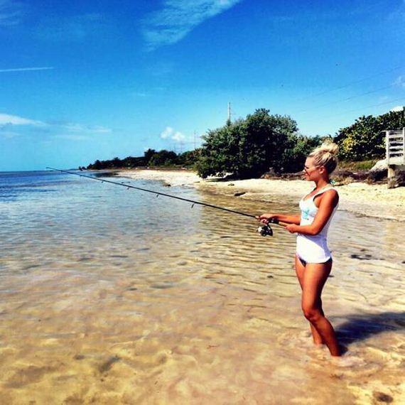 16-fishing_in_bikini