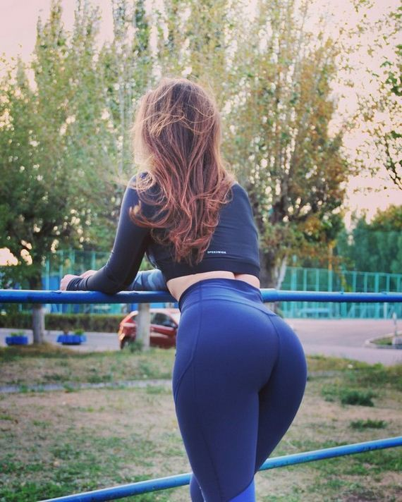 18-girls-in-yoga-pants
