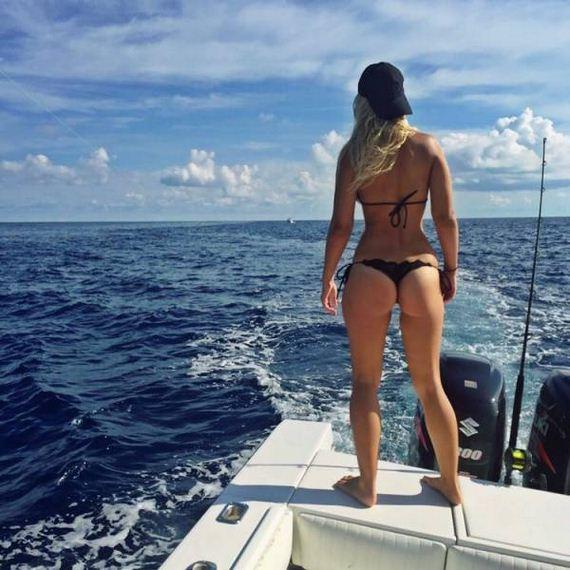19-fishing_in_bikini