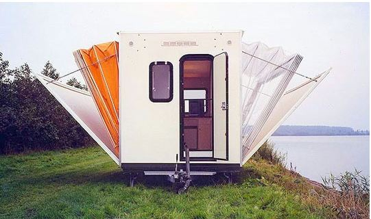 cool-camper-house-opening-beds0