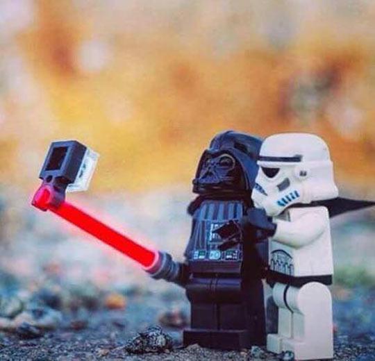 funny-vader-lego-selfie-stick