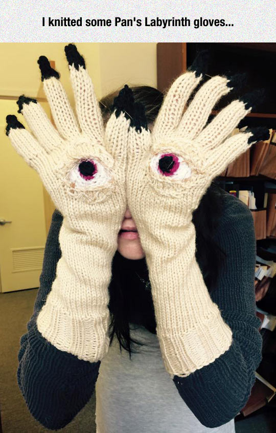 funny-girl-knitted-pans-labyrinth-gloves