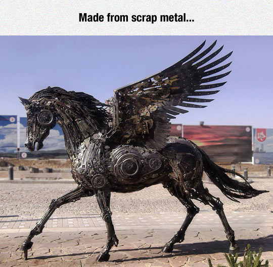 funny-horse-pegasus-sculpture-scrap-metal