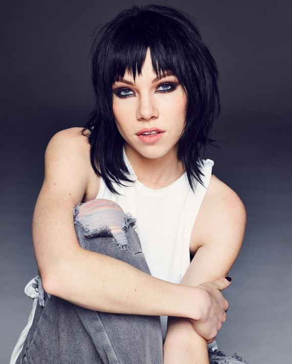 02-carly-rae-jepsen
