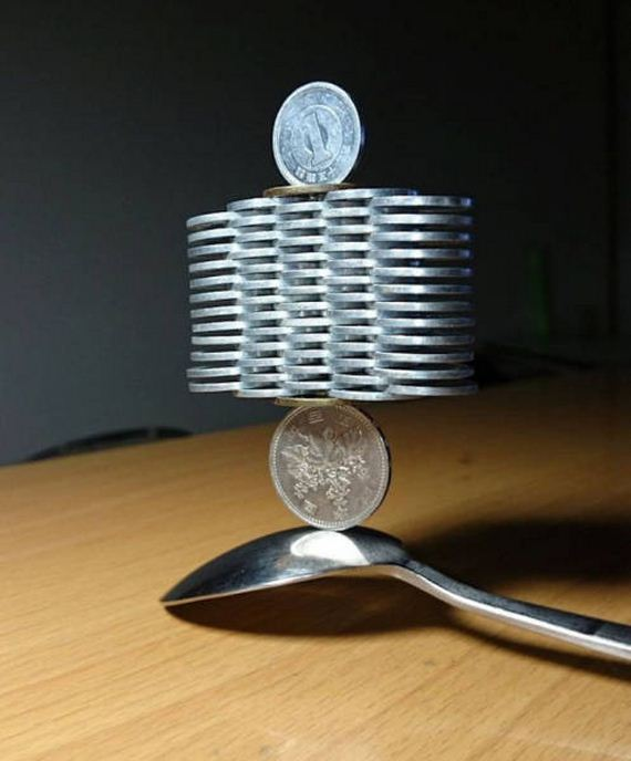 02-japanese_guy_took_coin_stacking