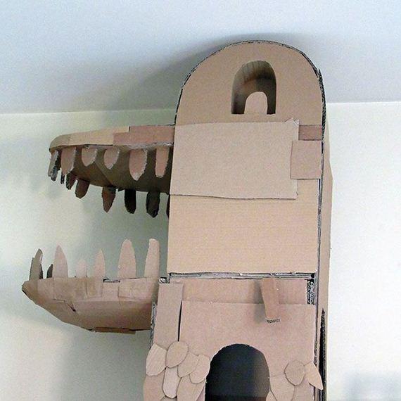 03-cardboard_cat