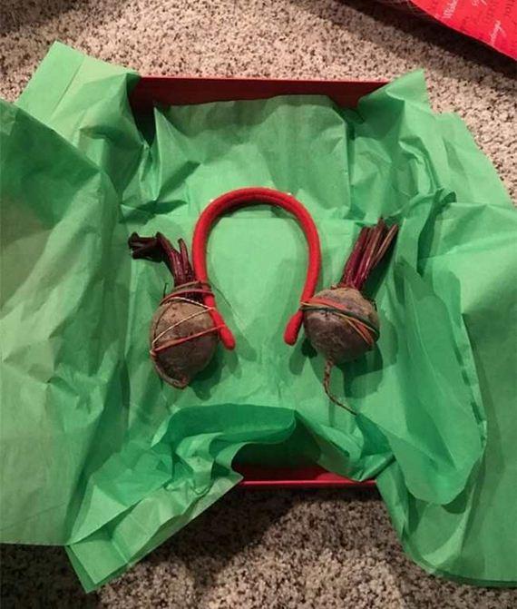 04-funny_christmas_gifts
